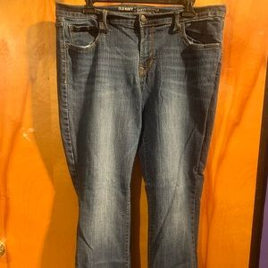 Old Navy 14 short boot cut curvy jeans